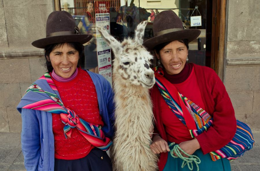Photo: Quechua women in Cuzco. Taken by myself