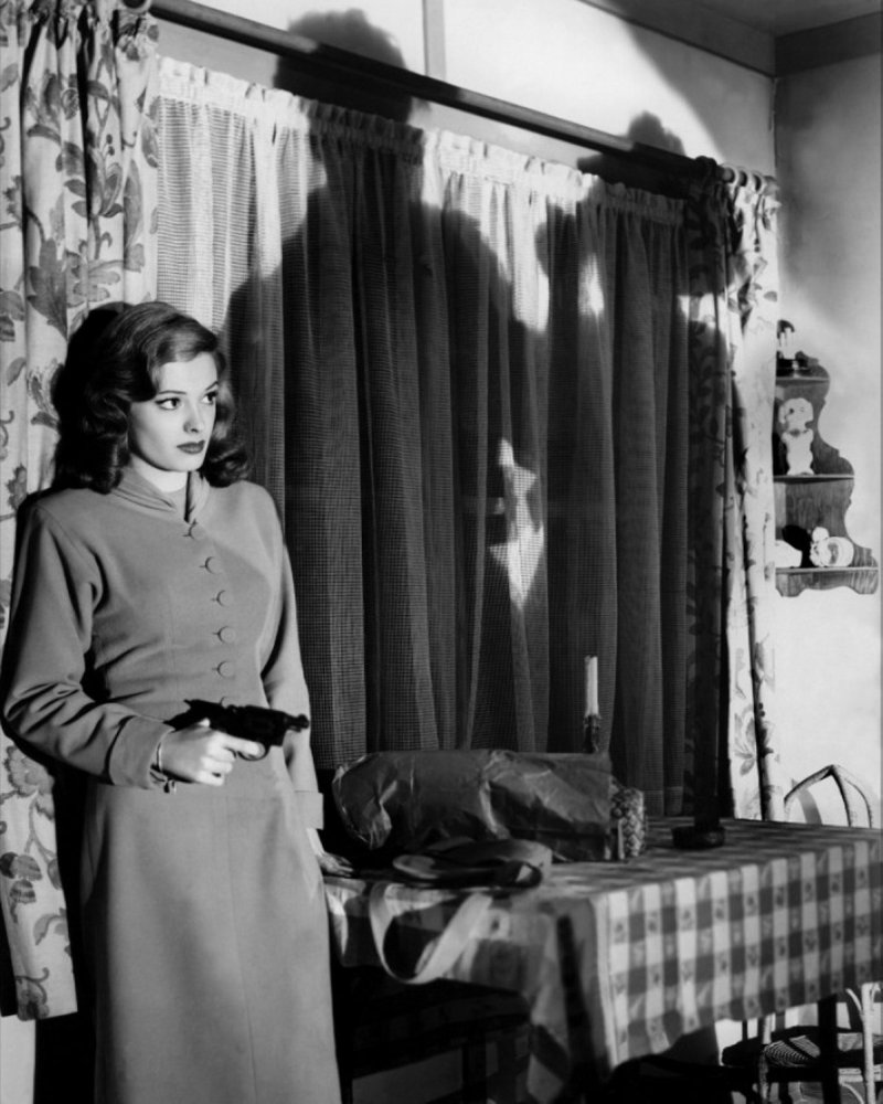 out of the past and the genius of film noir hummus for thought. Black Bedroom Furniture Sets. Home Design Ideas