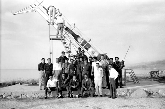 Group portrait taken before the launch of Cedar 3, 1962. Image from the Lebanese Rocket Society Archive, ©DR.