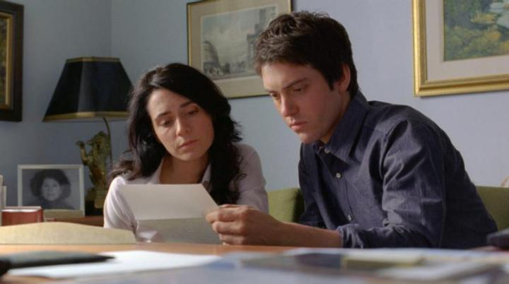 Melissa Desormeaux-Pouli (left) and Maxime Gaudette (right) as Jeanne and Simon