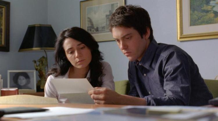Melissa Desormeaux-Pouli (left) and Maxime Gaudette (right) as Jeanne and Simon